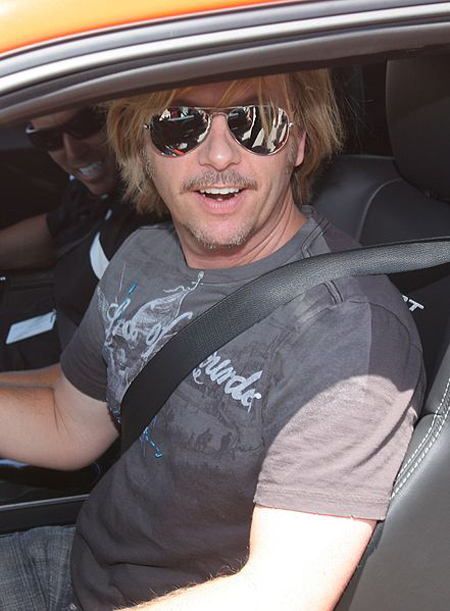 By dodge challenger1 - Image:David Spade in car.jpg, cropped, CC BY 2.0, https://commons.wikimedia.org/w/index.php?curid=4184794